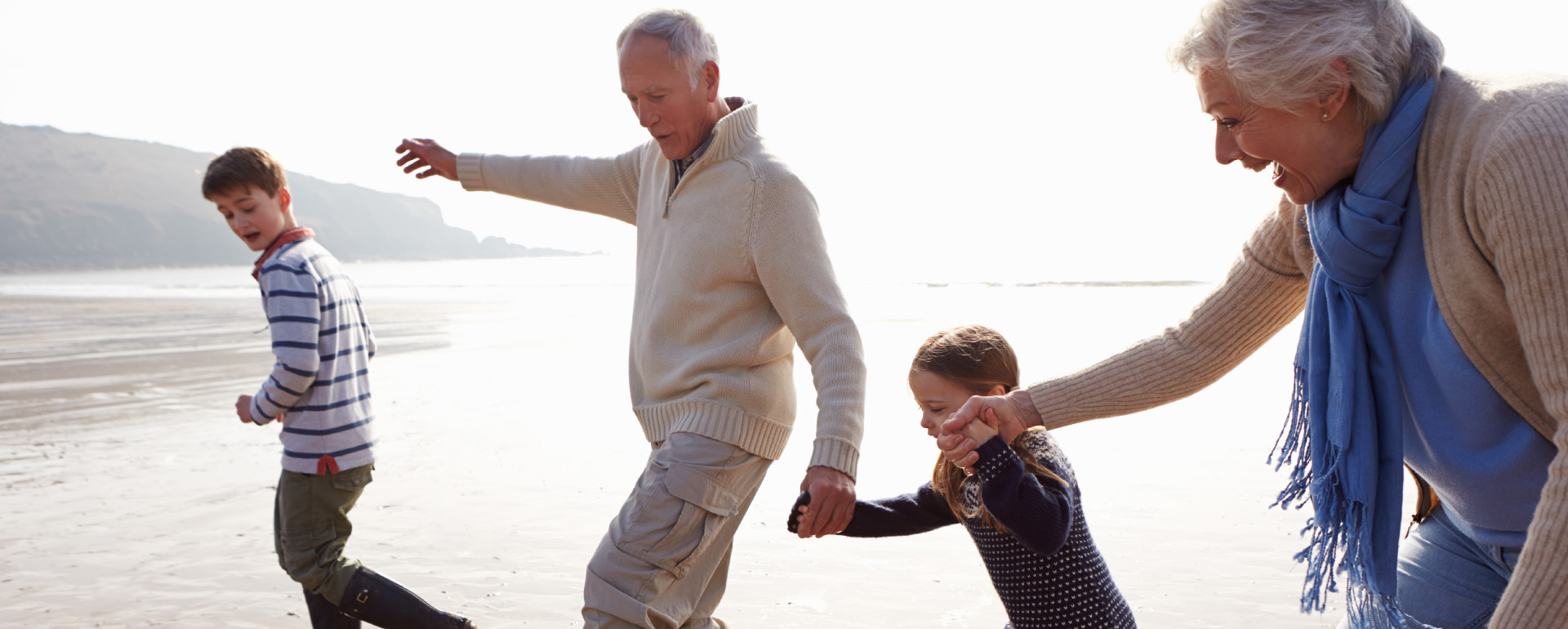 Alte und junge Menschen